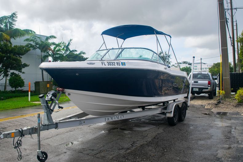 Thumbnail 3 for Used 2017 Robalo R207 Dual Console boat for sale in Miami, FL