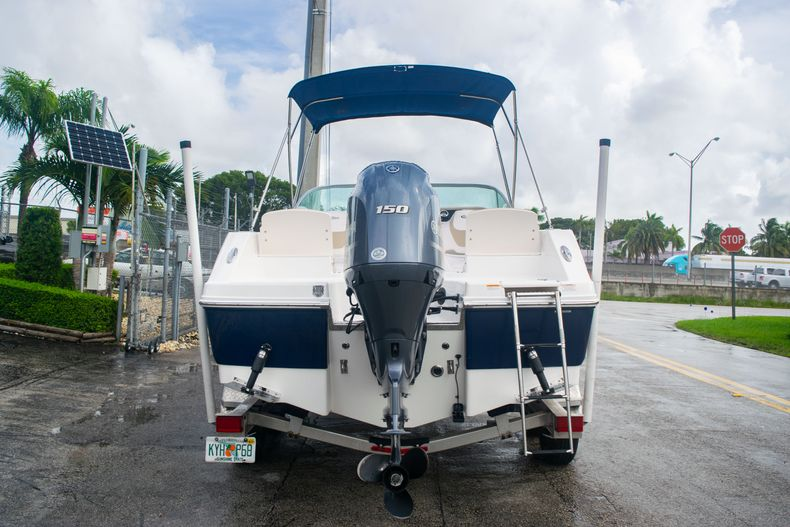 Thumbnail 6 for Used 2017 Robalo R207 Dual Console boat for sale in Miami, FL