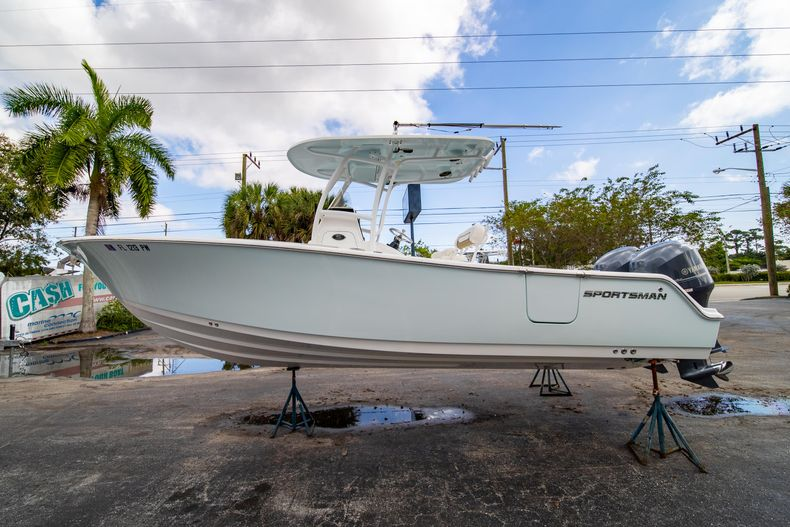 Thumbnail 4 for Used 2015 Sportsman Heritage 251 Center Console boat for sale in West Palm Beach, FL