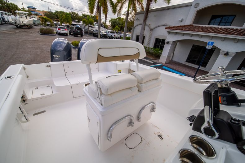 Thumbnail 30 for Used 2015 Sportsman Heritage 251 Center Console boat for sale in West Palm Beach, FL