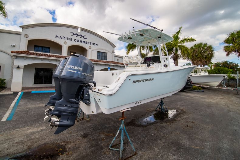 Thumbnail 7 for Used 2015 Sportsman Heritage 251 Center Console boat for sale in West Palm Beach, FL