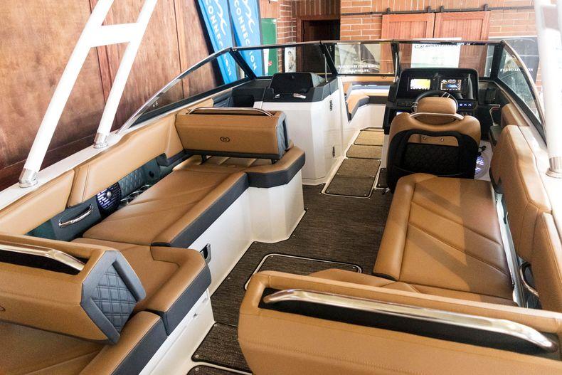 Thumbnail 17 for New 2021 Cobalt R6 OB boat for sale in Stuart, FL
