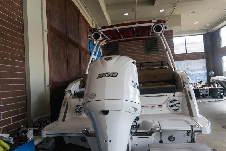 Thumbnail 7 for New 2021 Cobalt R6 OB boat for sale in Stuart, FL