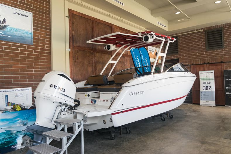 Thumbnail 10 for New 2021 Cobalt R6 OB boat for sale in Stuart, FL