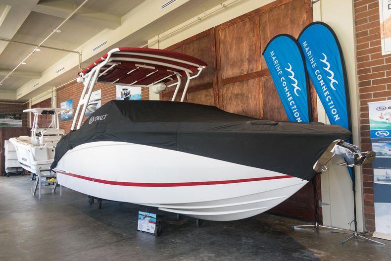 Thumbnail 1 for New 2021 Cobalt R6 OB boat for sale in Stuart, FL