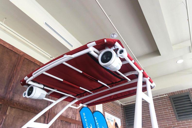 Thumbnail 8 for New 2021 Cobalt R6 OB boat for sale in Stuart, FL