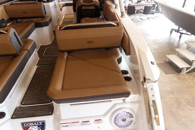 Thumbnail 16 for New 2021 Cobalt R6 OB boat for sale in Stuart, FL