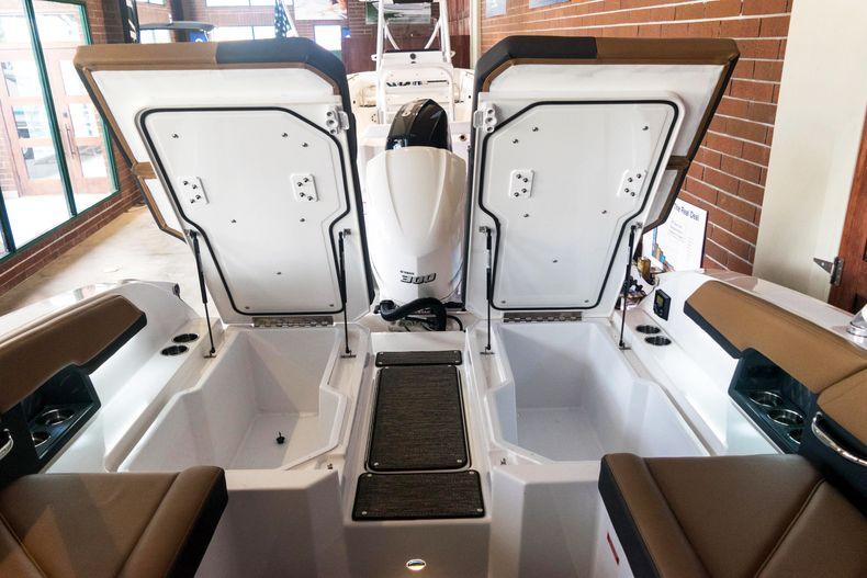 Thumbnail 22 for New 2021 Cobalt R6 OB boat for sale in Stuart, FL