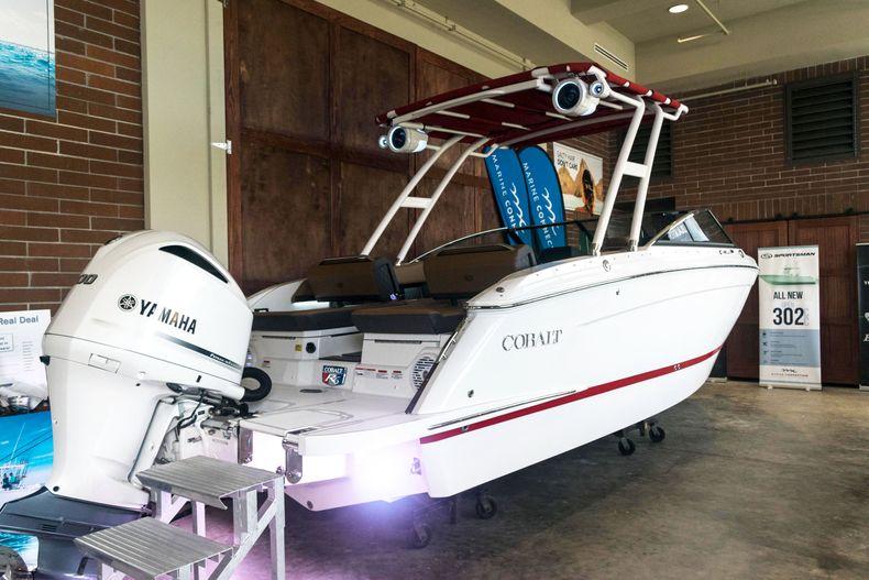 Thumbnail 11 for New 2021 Cobalt R6 OB boat for sale in Stuart, FL