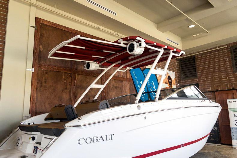 Thumbnail 9 for New 2021 Cobalt R6 OB boat for sale in Stuart, FL