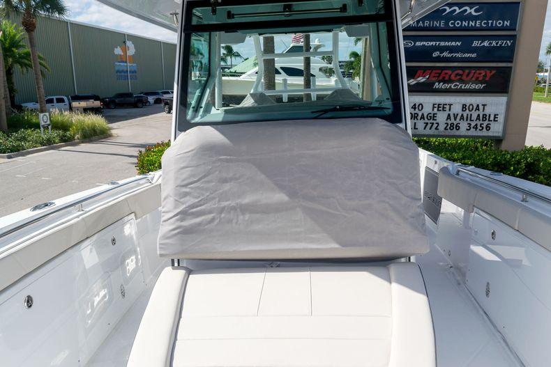 Thumbnail 62 for New 2021 Blackfin 332CC boat for sale in Stuart, FL