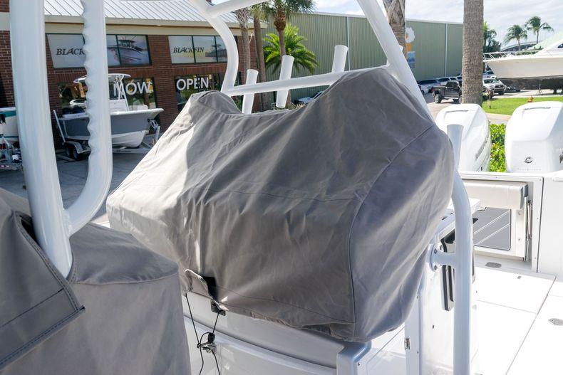 Thumbnail 63 for New 2021 Blackfin 332CC boat for sale in Stuart, FL