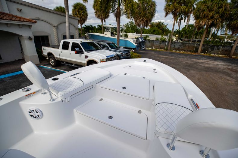 Thumbnail 29 for New 2021 Sportsman Masters 247 Bay Boat boat for sale in Vero Beach, FL