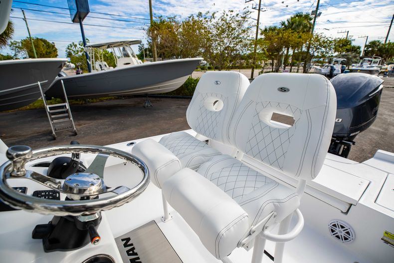 Thumbnail 26 for New 2021 Sportsman Masters 247 Bay Boat boat for sale in Vero Beach, FL