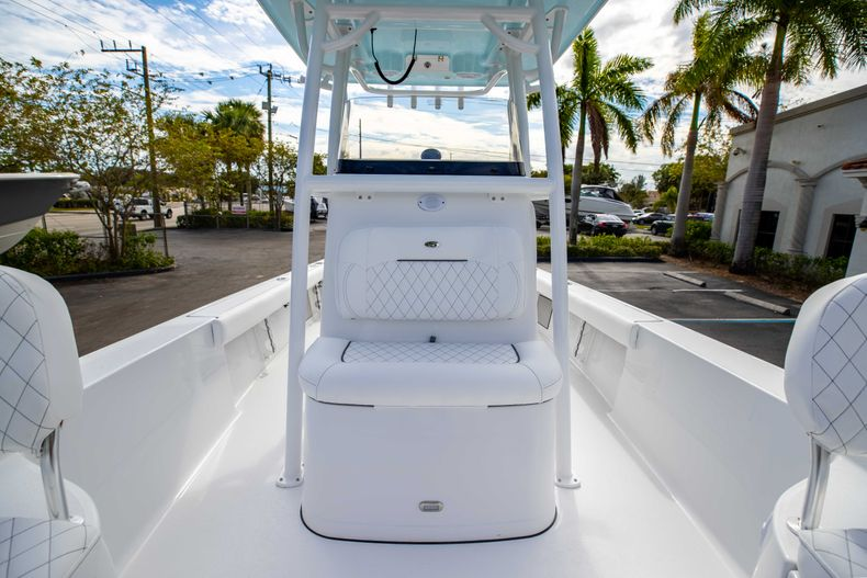 Thumbnail 36 for New 2021 Sportsman Masters 247 Bay Boat boat for sale in Vero Beach, FL