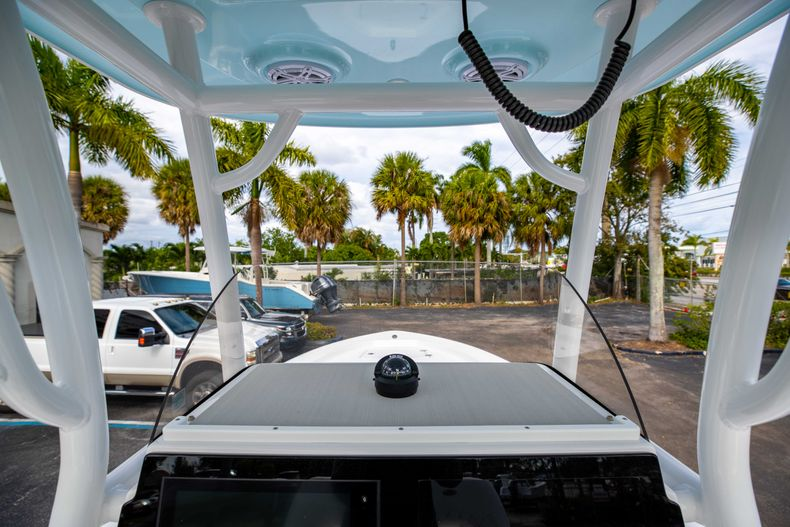 Thumbnail 20 for New 2021 Sportsman Masters 247 Bay Boat boat for sale in Vero Beach, FL
