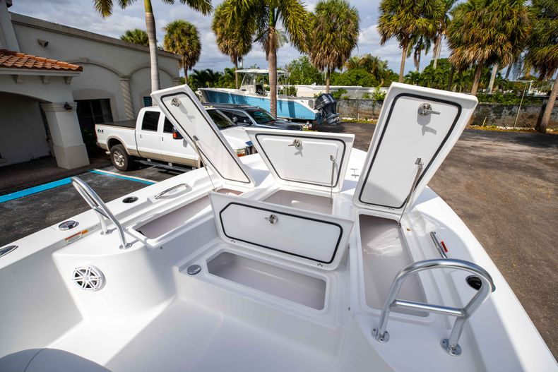 Thumbnail 31 for New 2021 Sportsman Masters 247 Bay Boat boat for sale in Vero Beach, FL