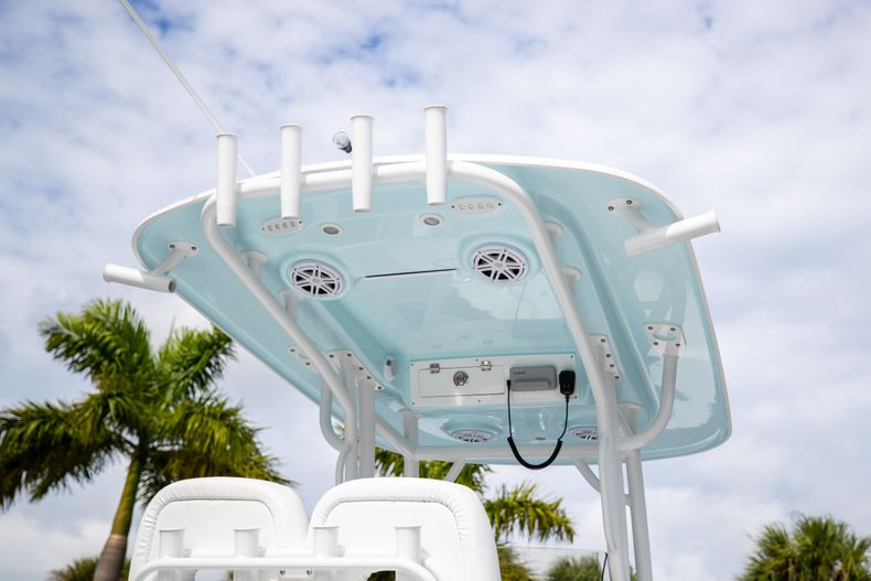 Thumbnail 8 for New 2021 Sportsman Masters 247 Bay Boat boat for sale in Vero Beach, FL