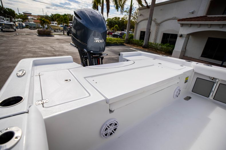 Thumbnail 9 for New 2021 Sportsman Masters 247 Bay Boat boat for sale in Vero Beach, FL