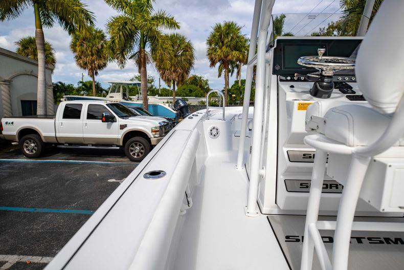 Thumbnail 16 for New 2021 Sportsman Masters 247 Bay Boat boat for sale in Vero Beach, FL