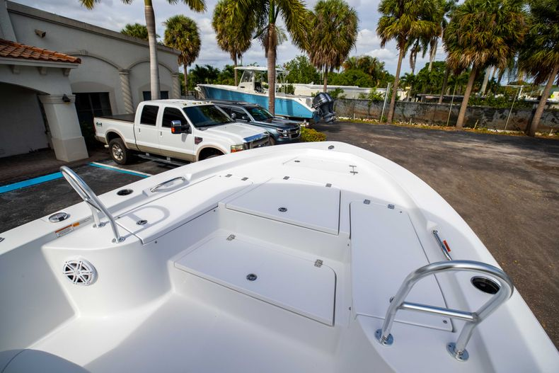 Thumbnail 30 for New 2021 Sportsman Masters 247 Bay Boat boat for sale in Vero Beach, FL
