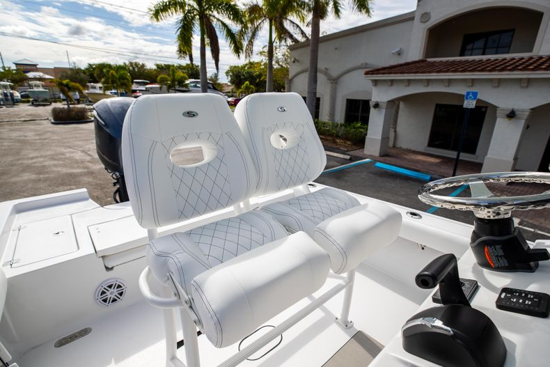 Thumbnail 24 for New 2021 Sportsman Masters 247 Bay Boat boat for sale in Vero Beach, FL