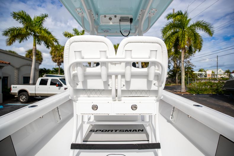 Thumbnail 14 for New 2021 Sportsman Masters 247 Bay Boat boat for sale in Vero Beach, FL