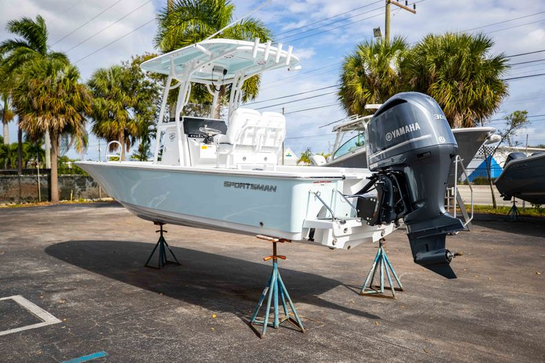 Thumbnail 5 for New 2021 Sportsman Masters 247 Bay Boat boat for sale in Vero Beach, FL