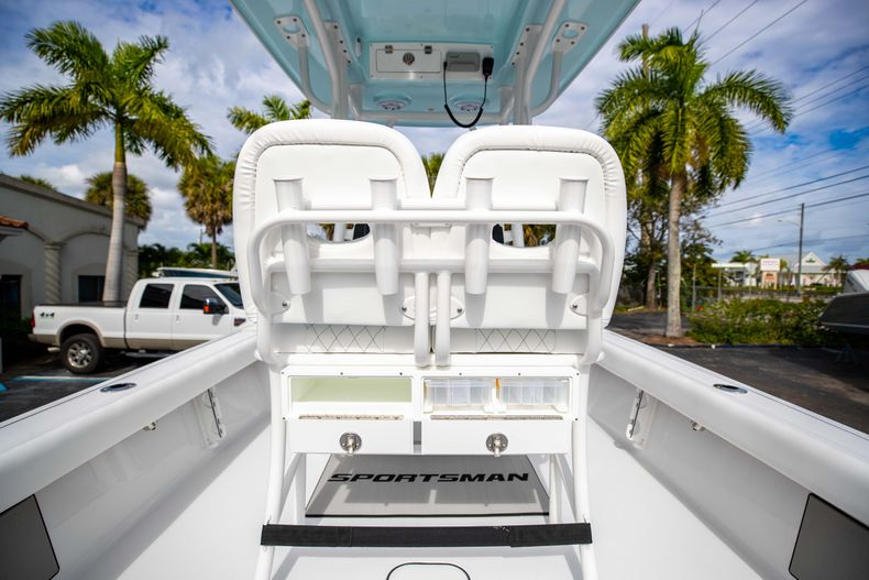 Thumbnail 15 for New 2021 Sportsman Masters 247 Bay Boat boat for sale in Vero Beach, FL