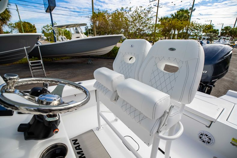 Thumbnail 25 for New 2021 Sportsman Masters 247 Bay Boat boat for sale in Vero Beach, FL