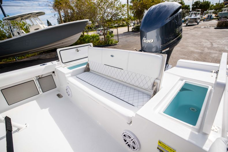 Thumbnail 12 for New 2021 Sportsman Masters 247 Bay Boat boat for sale in Vero Beach, FL