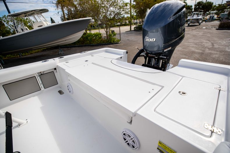 Thumbnail 11 for New 2021 Sportsman Masters 247 Bay Boat boat for sale in Vero Beach, FL