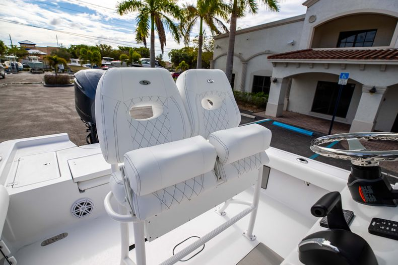 Thumbnail 23 for New 2021 Sportsman Masters 247 Bay Boat boat for sale in Vero Beach, FL