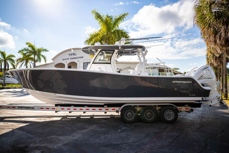 Thumbnail 1 for New 2021 Sportsman Open 322 Center Console boat for sale in West Palm Beach, FL