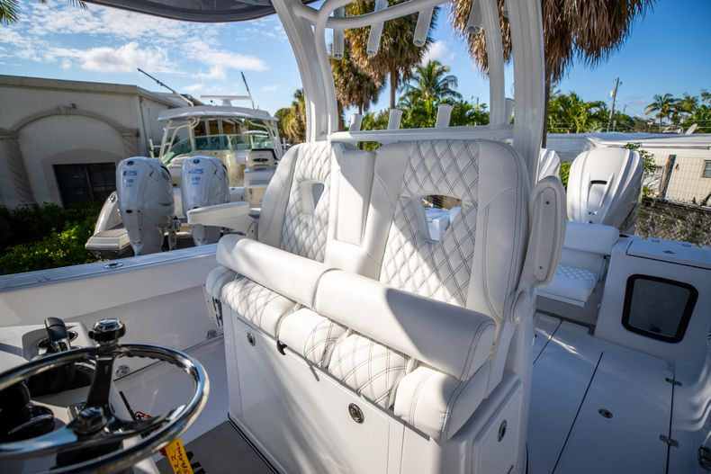 Thumbnail 17 for New 2021 Sportsman Open 322 Center Console boat for sale in West Palm Beach, FL