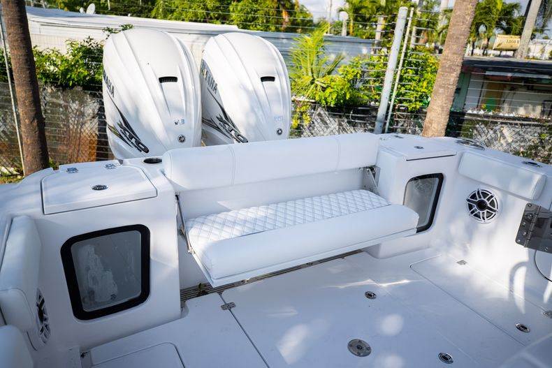 Thumbnail 6 for New 2021 Sportsman Open 322 Center Console boat for sale in West Palm Beach, FL