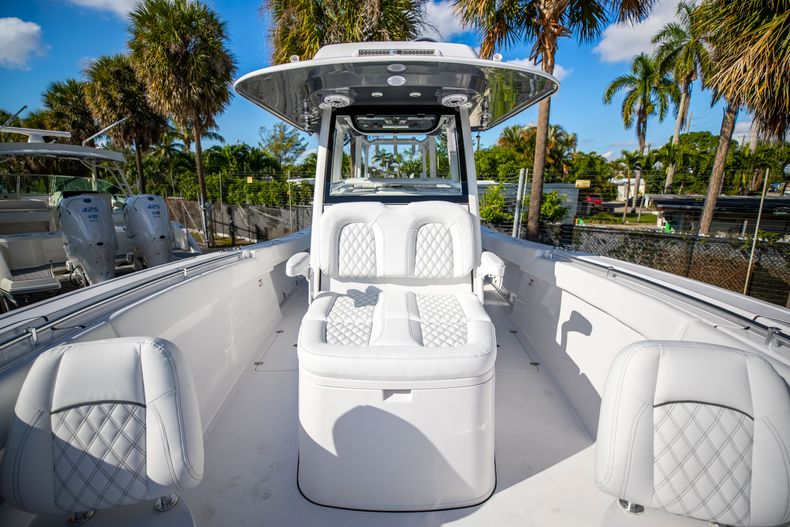 Thumbnail 18 for New 2021 Sportsman Open 322 Center Console boat for sale in West Palm Beach, FL