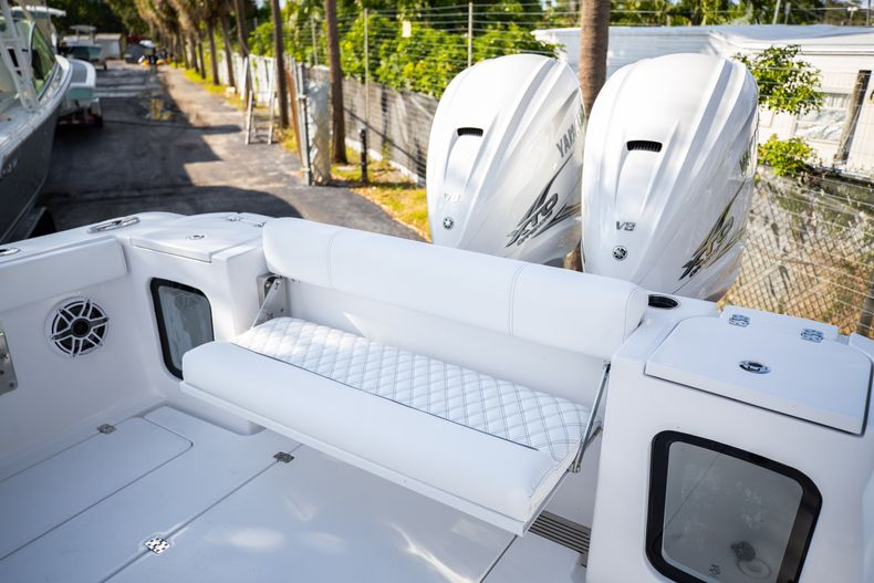Thumbnail 7 for New 2021 Sportsman Open 322 Center Console boat for sale in West Palm Beach, FL