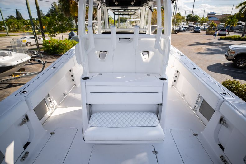 Thumbnail 5 for New 2021 Sportsman Open 322 Center Console boat for sale in West Palm Beach, FL