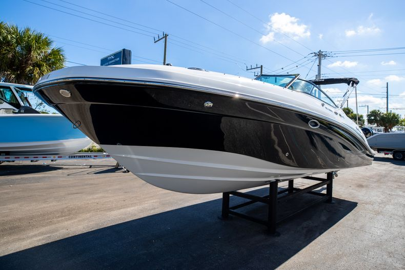 Thumbnail 6 for New 2021 Hurricane SunDeck SD 2690 OB boat for sale in West Palm Beach, FL