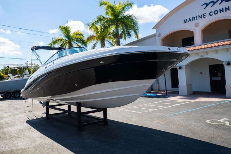 Thumbnail 2 for New 2021 Hurricane SunDeck SD 2690 OB boat for sale in West Palm Beach, FL
