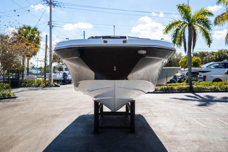 Thumbnail 4 for New 2021 Hurricane SunDeck SD 2690 OB boat for sale in West Palm Beach, FL
