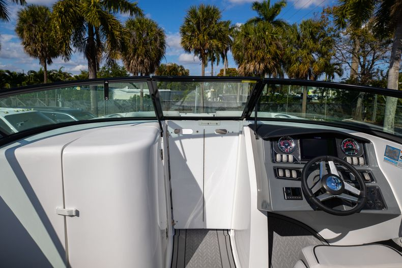 Thumbnail 42 for New 2021 Hurricane SunDeck SD 2690 OB boat for sale in West Palm Beach, FL