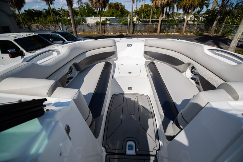Thumbnail 43 for New 2021 Hurricane SunDeck SD 2690 OB boat for sale in West Palm Beach, FL
