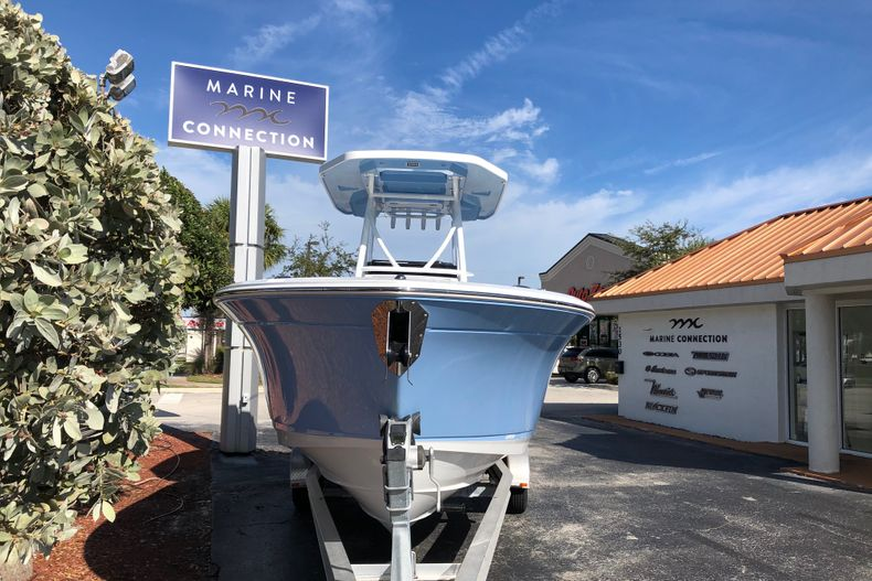 Thumbnail 2 for New 2021 Blackfin 252CC boat for sale in Vero Beach, FL