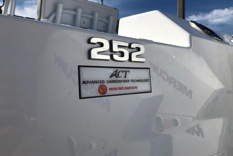 Thumbnail 8 for New 2021 Blackfin 252CC boat for sale in Vero Beach, FL