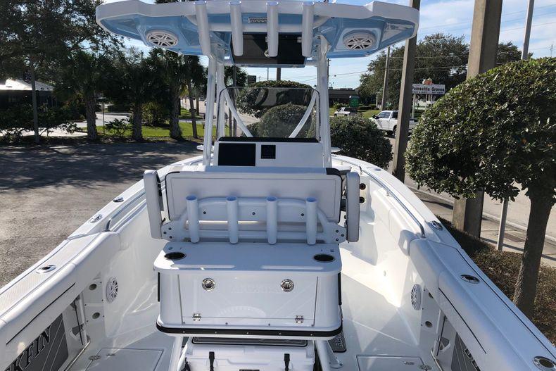 Thumbnail 10 for New 2021 Blackfin 252CC boat for sale in Vero Beach, FL