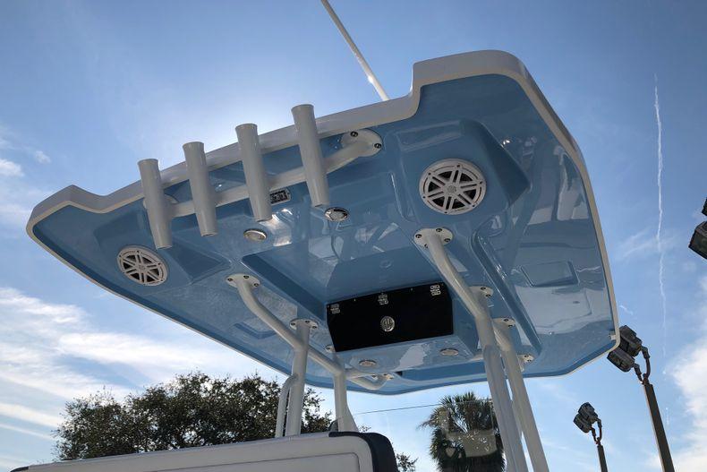 Thumbnail 6 for New 2021 Blackfin 252CC boat for sale in Vero Beach, FL