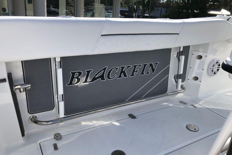 Thumbnail 11 for New 2021 Blackfin 252CC boat for sale in Vero Beach, FL