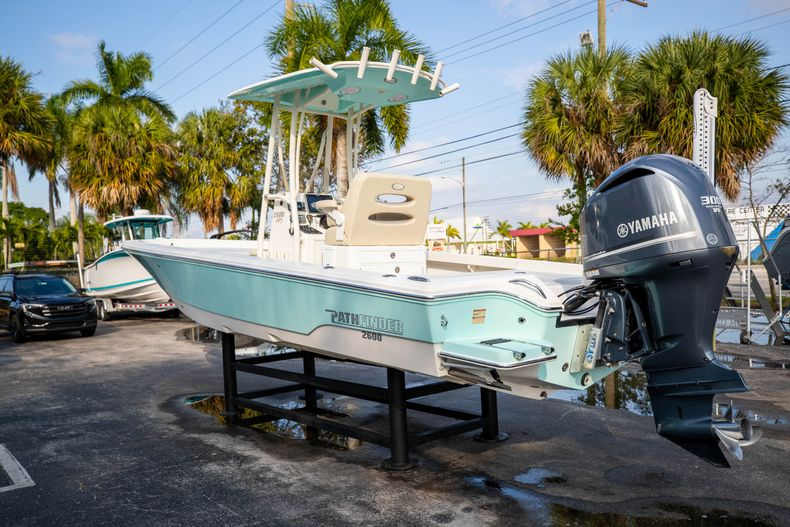 Thumbnail 7 for Used 2014 Pathfinder 2600 HPS Bay Boat boat for sale in West Palm Beach, FL